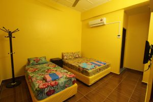 yellow cheer room in go pangkor holiday